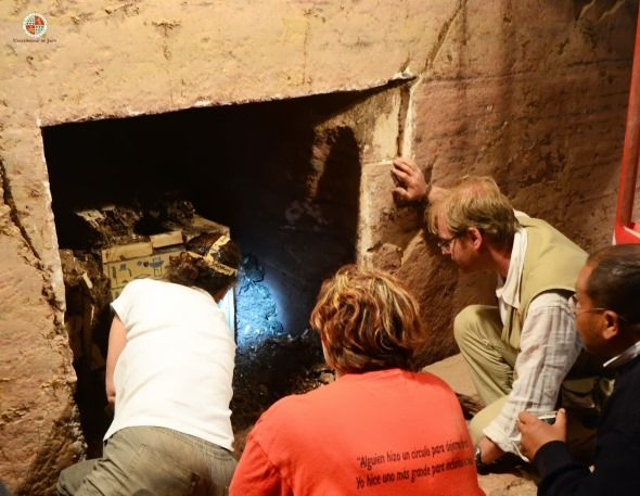 acceso a camara funeraria tumba egipcia