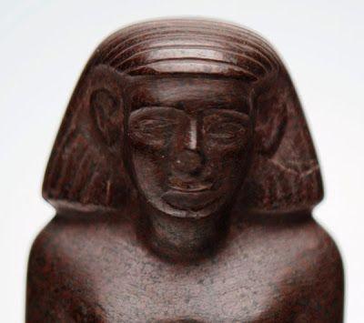 estatua egipcia que se mueve