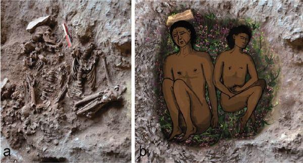 A la izquierda, fotografía de los restos. A la derecha, una reconstrucción de la misma.