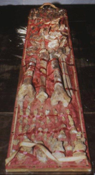 esqueleto de carlomagno