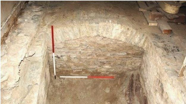 La nueva entrada encontrada leva al sótano del Castillo de Cardigan