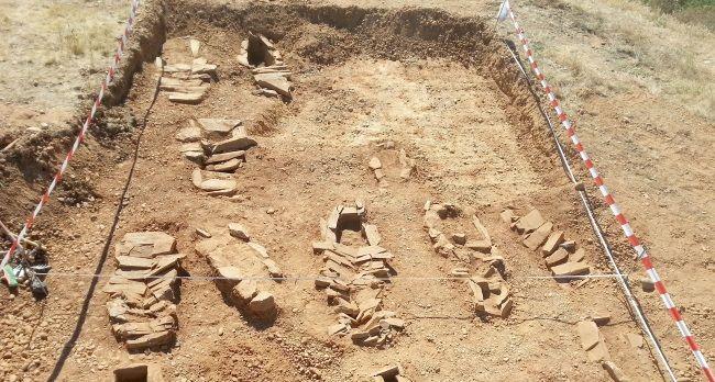 """El """"cementerio de pobres"""" medieval encontrado en Moscas. Foto: Junta de Castilla y León."""