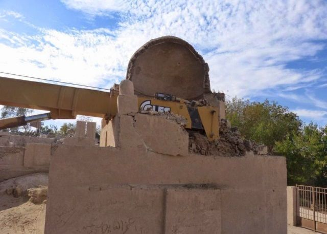 Una grúa daña gravemente una tumba de la era fatimí en Egipto