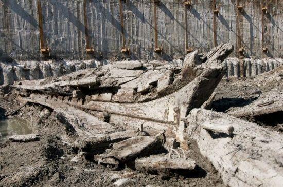 La embarcación del siglo XIX es la más antigua que se ha encontrado en Canadá hasta el momento.