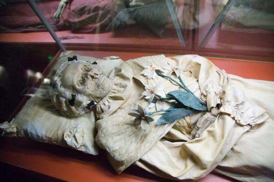 Investigadores han hallado hasta 12 cepas de tuberculosis en momias húngaras del siglo XVIII.