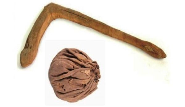 Palo y pelota de polo de 2.400 años hallados en China.
