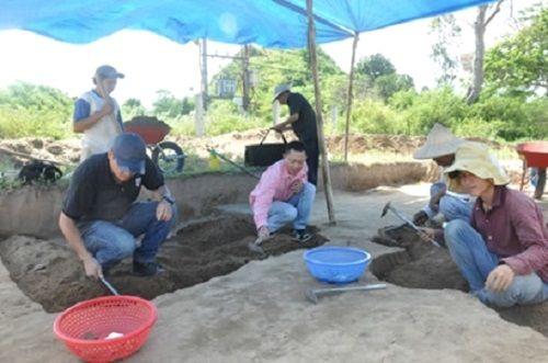 Hachas de piedra de 3.000 años han sido halladas en Vietnam.