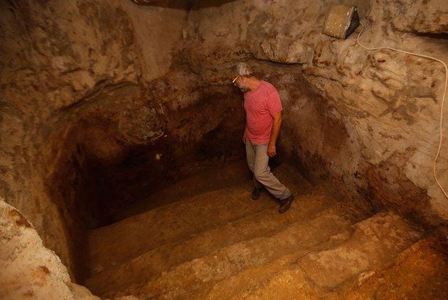 Baños de 2.000 años de antigüedad han sido encontrados bajo el salón de una casa privada en Jerusalén.