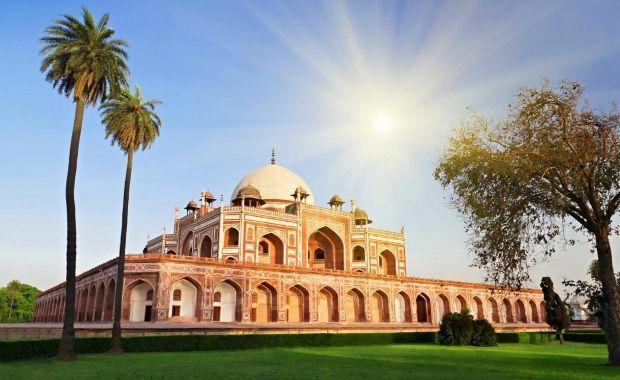 Tumba de Humayun, construcción en la que se basó el Taj Mahal