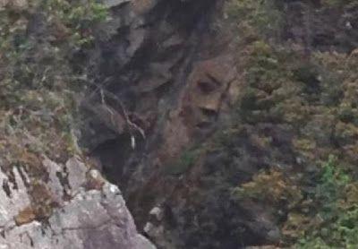 Curiosa cara tallada en Canadá.