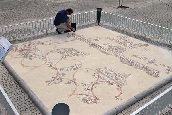 Mosaico hallado en Israel en donde se ve el mapa de una ciudad de algún lugar de Egipto.