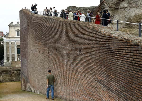 La pasarela del Foro Romano ha sido restaurada completamente.