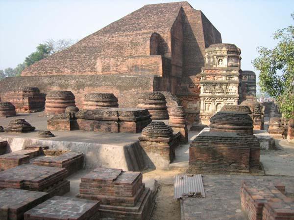 Universidad de Nalanda.