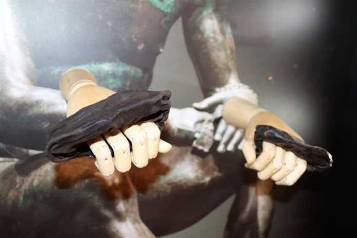 guantes de boxeo romanos en inglaterra
