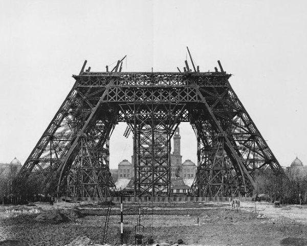 montaje base torre eiffel