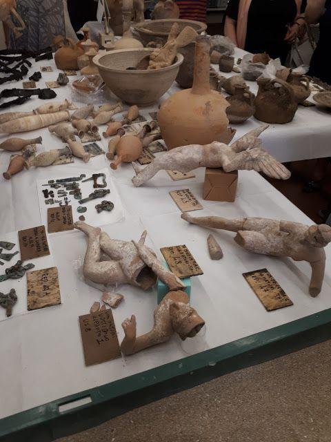 tumba taranto objetos