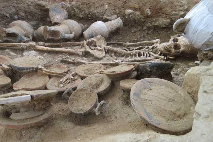 tumba etrusca corcega