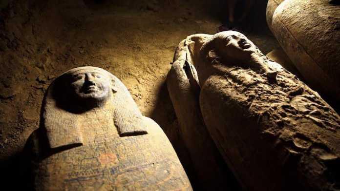 sarcofago descubierto en egipto