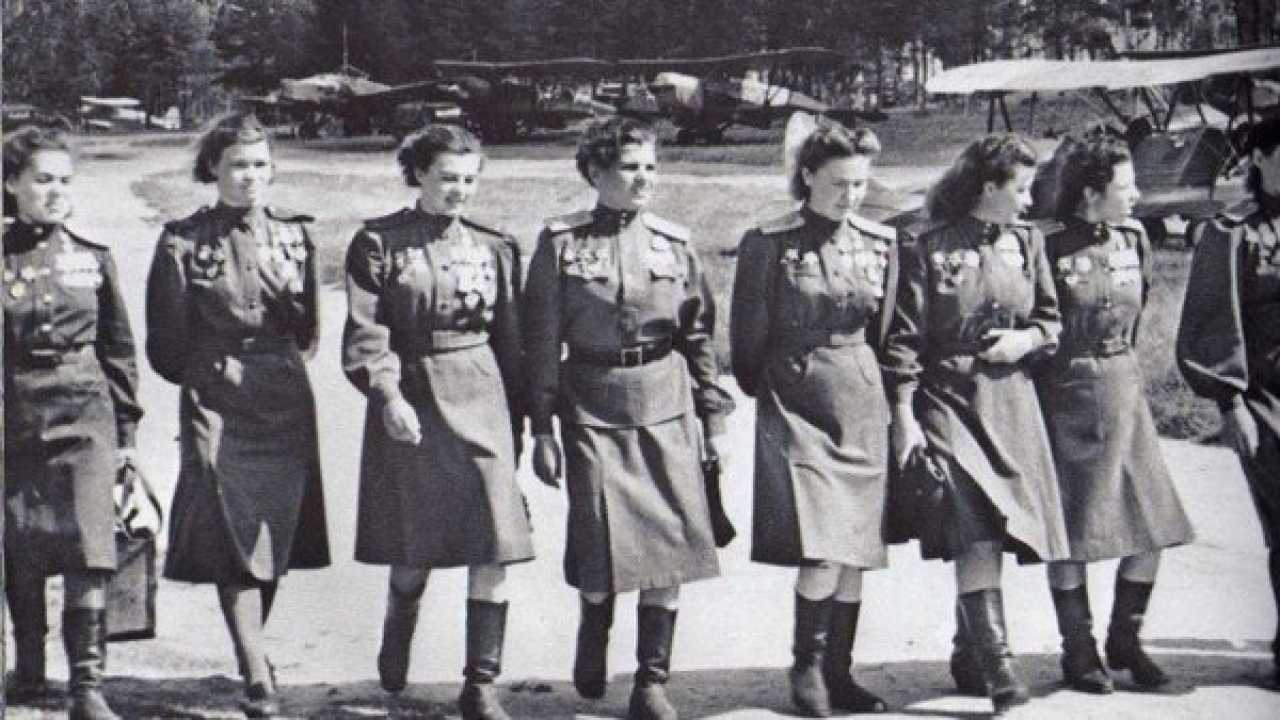 Nachthexen, 'las brujas de la Noche', las mujeres de la aviación soviética  | Red Historia