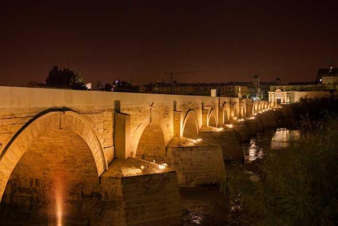 puente romano ciudad cordoba españa