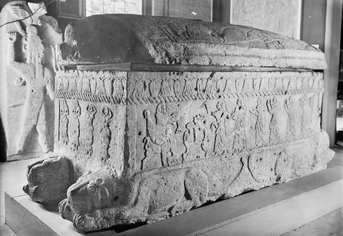 caracteristicas arte fenicio sarcofago ahiram