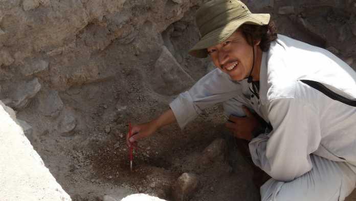 restos oseos embajador maya