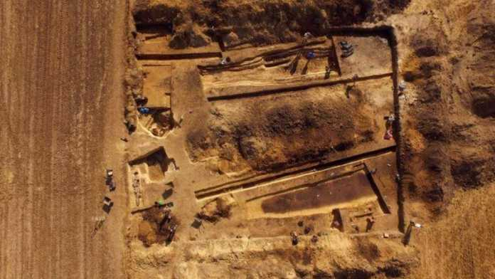 tumbas neolitico polonia