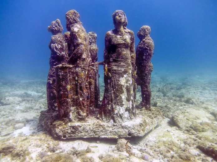 museo de arte submarino mexico musa