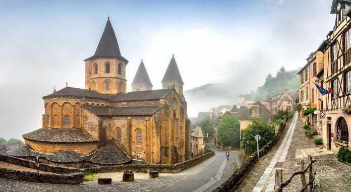 iglesia santa fe conques
