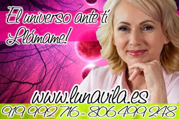 ¡Conoce a Luna Vila! Una vidente natural muy prestigiada, que tiene una hermosa personalidad