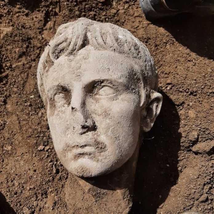 cabeza estatua cesar augusto
