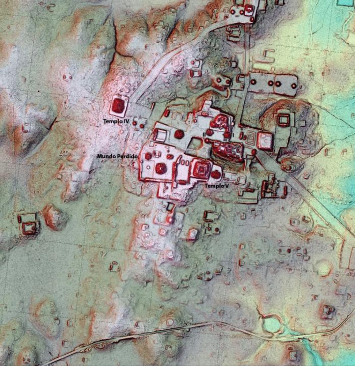 replica teotihuacan en tikal