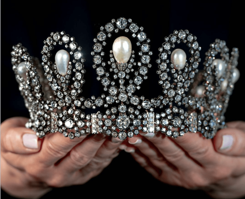 tiara real subastada sothebys