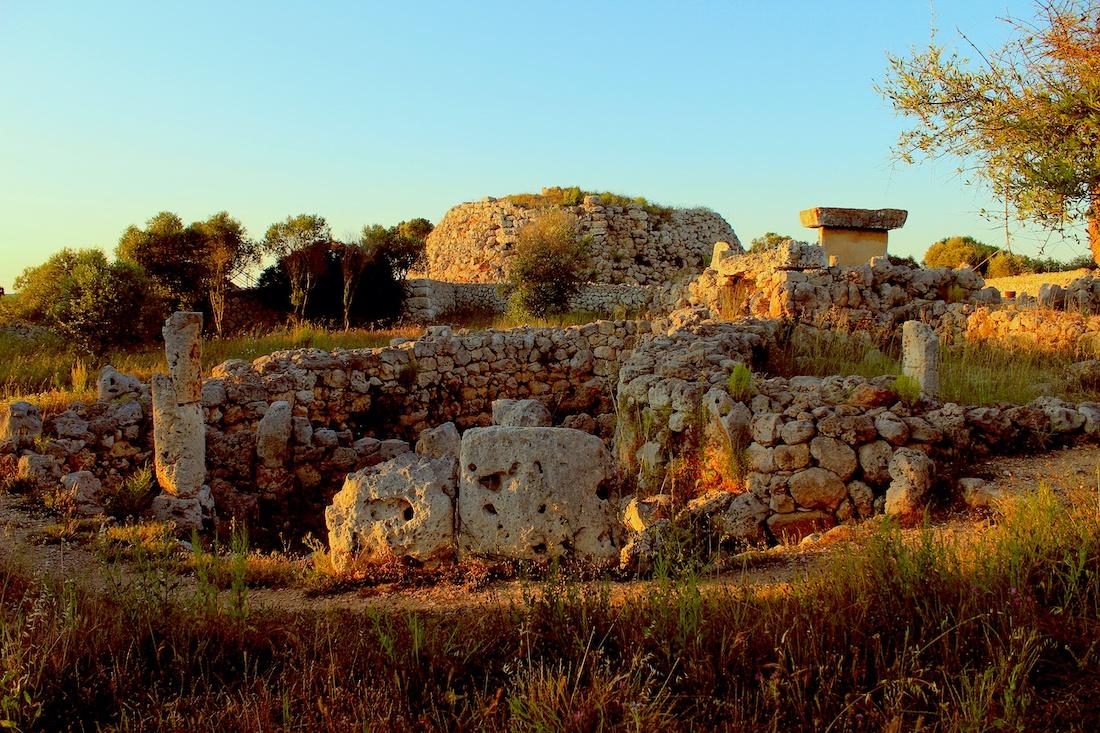cultura talayotica menorca arquitectura