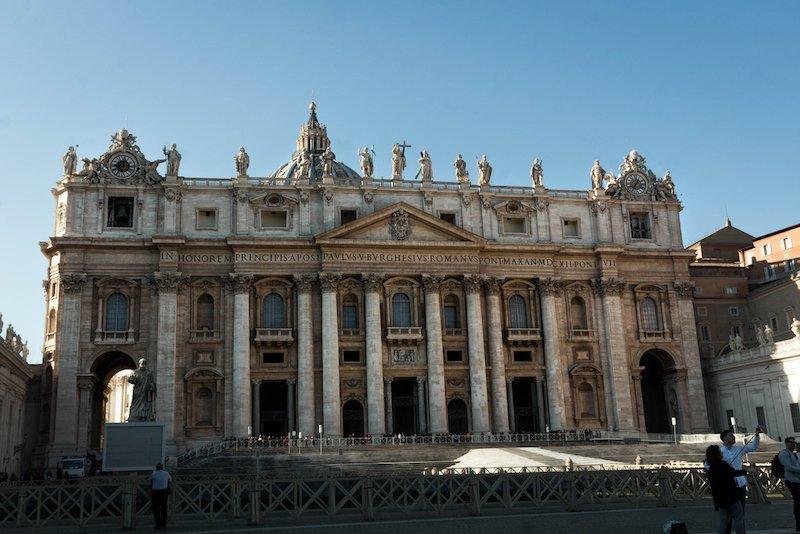 basilica de san pedro miguel angel