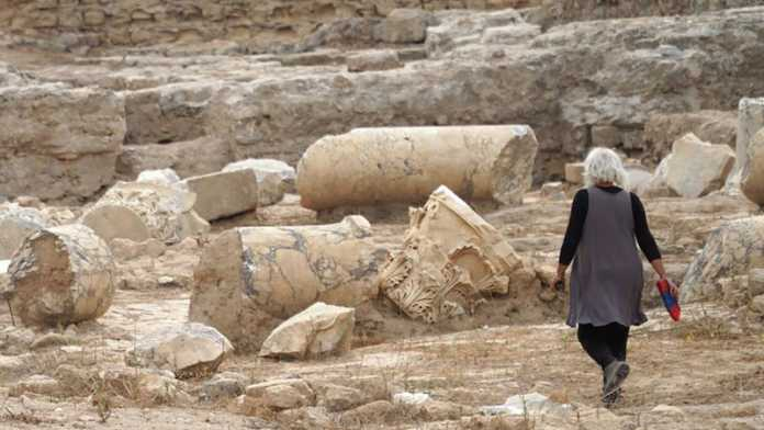 restos basilica romana israel