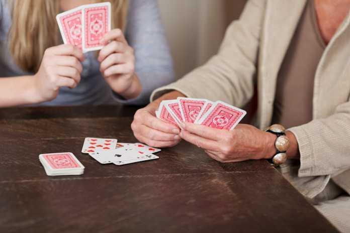 historia de los juegos de cartas