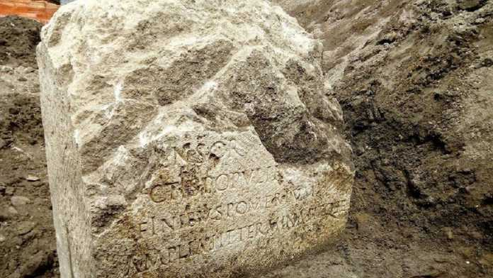 piedra limite roma año 49