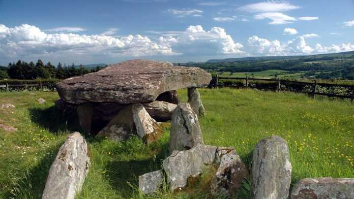 piedra de arturo herefordshire